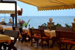 Terrazze dei ristoranti sul mare