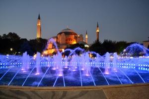La magia di piazza Sultanahmet di notte