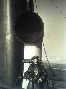 Evzerikin sul battello per raggiungere l'isola di Spitsbergen, anni '30